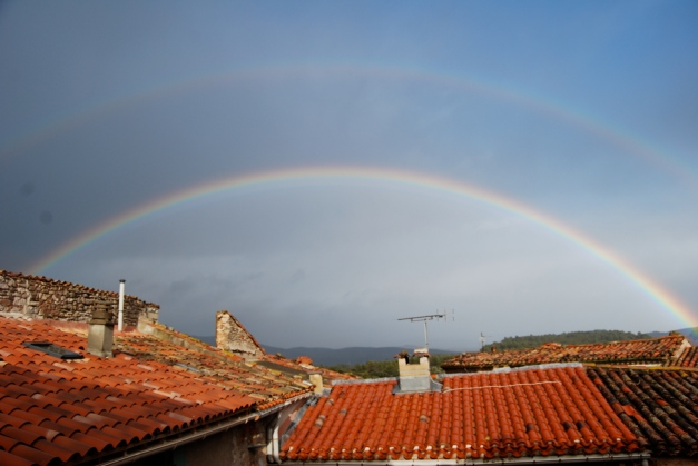 Double rainbow over Cazo at high Noon, December 07